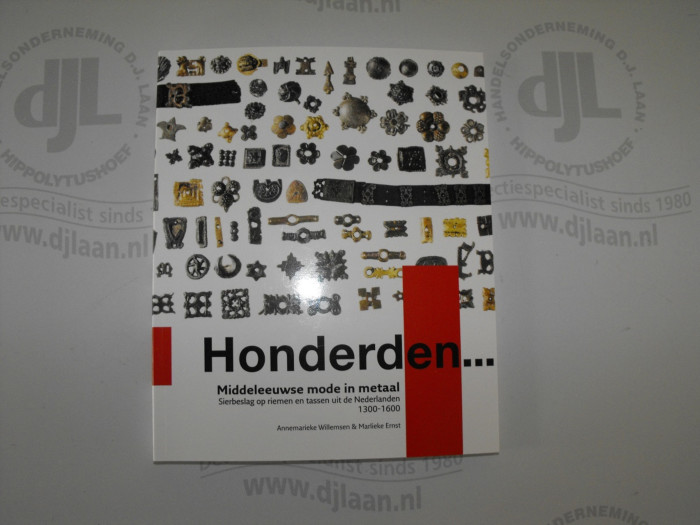 Honderden.. Middeleeuwse mode in metaal